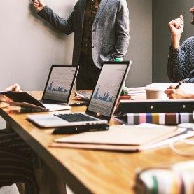 Capacitación de emprendedores, profesionales e instituciones en la aplicación del fideicomiso a los negocios.